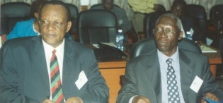 Prof. Georgy Kirya, former Vice Chancellor (L) with Prof. Livingstone Luboobi, Vice Chancellor at the 2nd Stakeholders Consultative Meeting 26th April 2006, Makerere University, Kampala Uganda