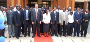 H.E Gjermund Sæther with Makerere Management and staff at the official opening of Faculty of Technology Extension, Makerere University, Kampala Uganda on 14th August 2009