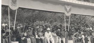 His Highness Sultan Sayyid Sir Khalifa II bin Harub, Sultan of Zanzibar accompanied by Princess Sayyida Matuka bint Hamud Al-Busaid at the Investure, Government House during the Sultan's visit to Uganda on 28th April 1954.