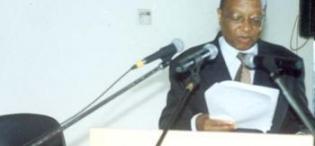 Prof. Apolo Nsibambi, Rt. Hon. Prime Minister, Republic of Uganda and Chancellor at the 2nd Stakeholders Consultative Meeting 26th April 2006, Makerere University, Kampala Uganda