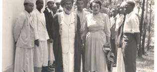 His Highness Sultan Sayyid Sir Khalifa II bin Harub, Sultan of Zanzibar accompanied by Princess Sayyida Matuka bint Hamud Al-Busaid tour the Makerere University Mosque during the Sultan's visit on 30th April 1954.
