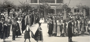 Her Majesty Queen Elizabeth, the Queen Mother in the Academic Procession led by the Chancellor at Makerere University, Kampala Uganda on 20th February 1959
